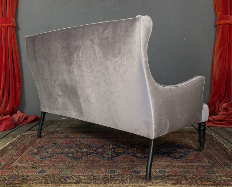 French 19th Century Velvet Settee In Good Condition For Sale In Long Island City, NY