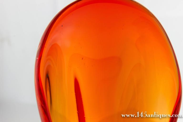 Mid-Century American 'Amberina' Colored Glass Dish For Sale 2