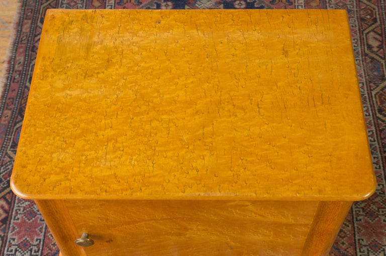 Pair of French 1940's Bird's-Eye Maple Nightstands In Good Condition For Sale In Long Island City, NY