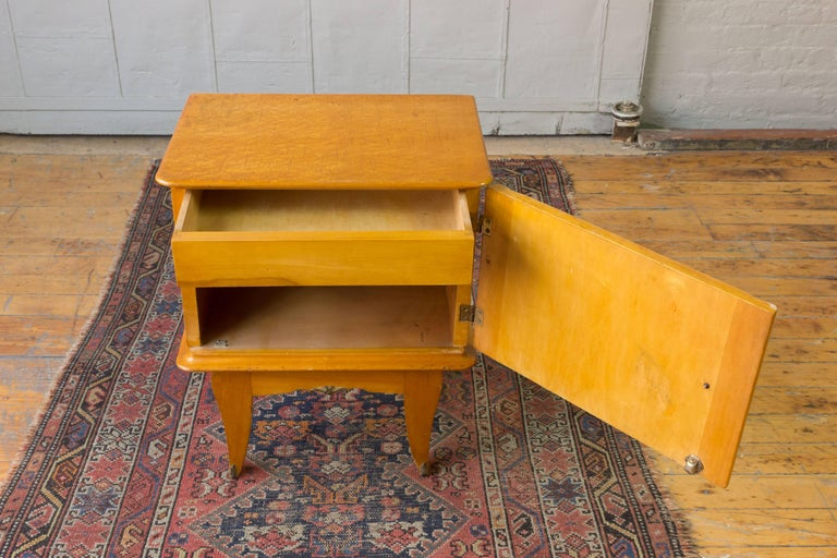 Pair of French 1940's Bird's-Eye Maple Nightstands For Sale 1