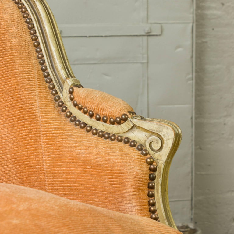 Small French Louis XV Style Settee in Pale Apricot Velvet For Sale 3