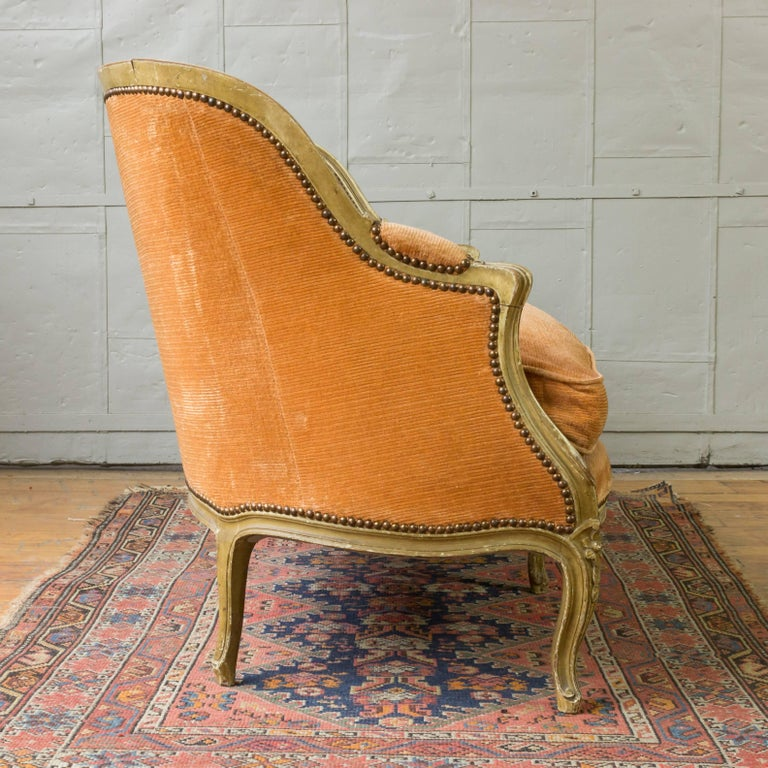 Early 20th Century Small French Louis XV Style Settee in Pale Apricot Velvet For Sale