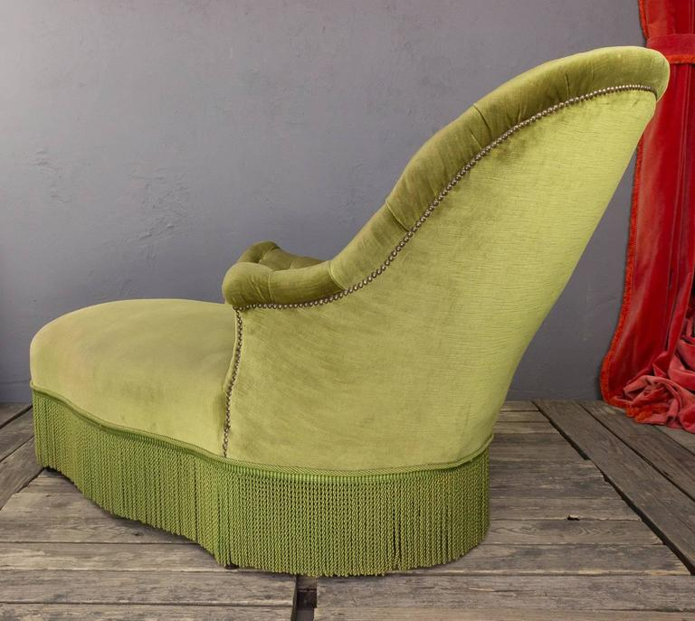 Tufted asymmetrical green chaise longue for sale at 1stdibs for Button tufted chaise settee green