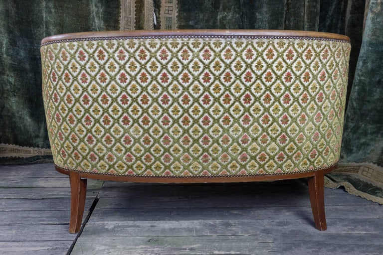 French Art Deco Settee with Curved Back For Sale 2