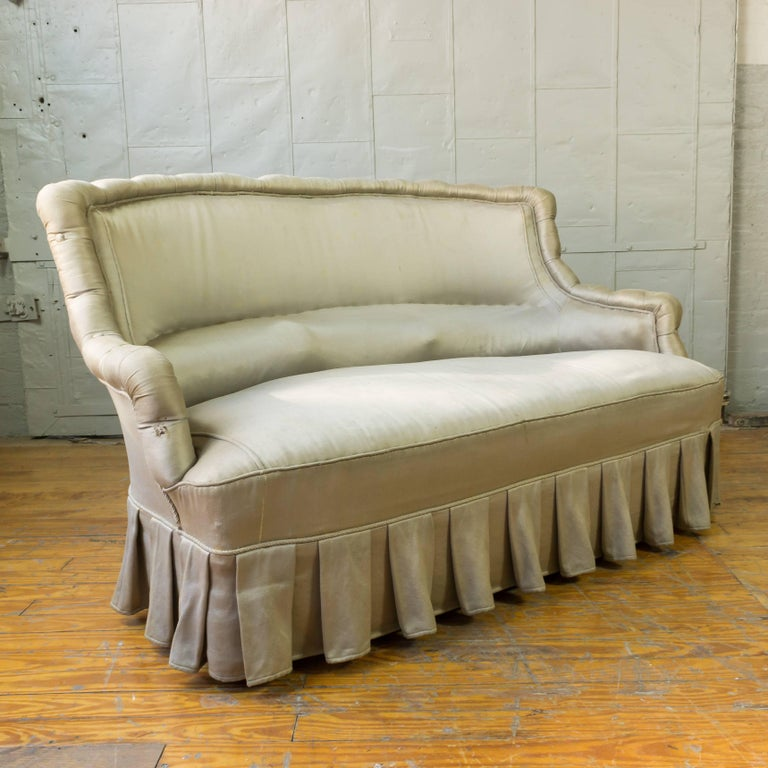 French 19th Century Settee In Fair Condition For Sale In Long Island City, NY