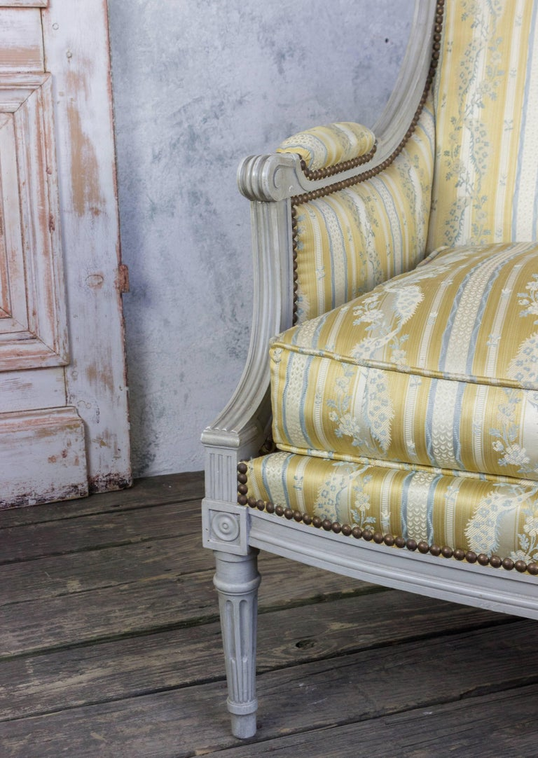 French Louis XVI Style Sofa with Painted Carved Frame In Good Condition For Sale In Long Island City, NY
