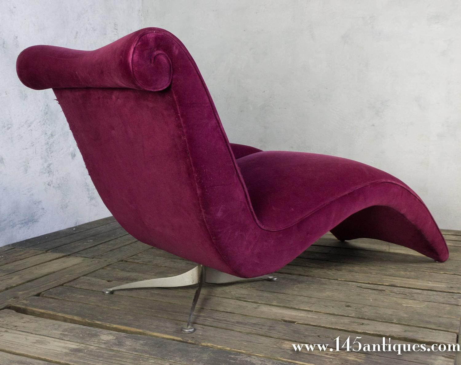 Elegant modern chaise longue for sale at 1stdibs for Chaise longue moderne