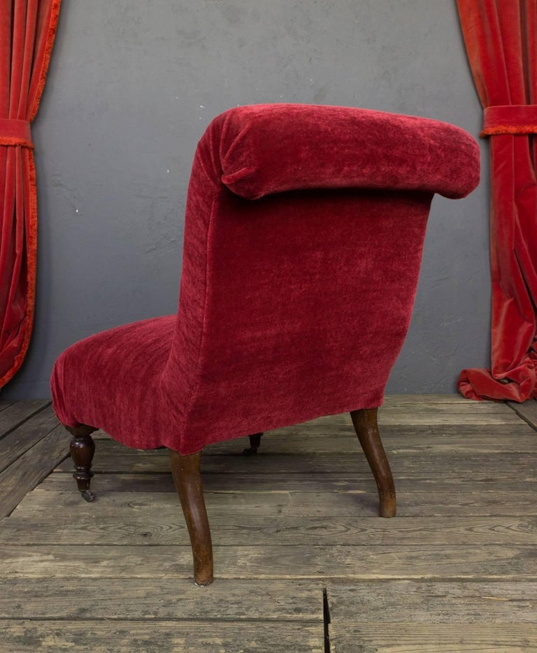 Red Scrollback Slipper Chair In Excellent Condition For Sale In Buchanan, NY