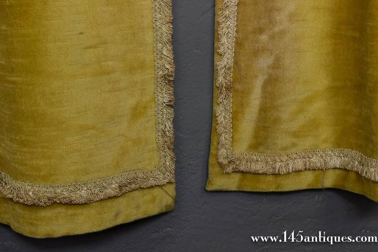 Pair Of Rich Gold Velvet Drapes For Sale At 1stdibs