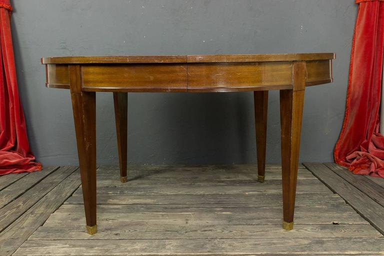 Mid-20th Century French 1940s Mahogany Oval Dining Table For Sale