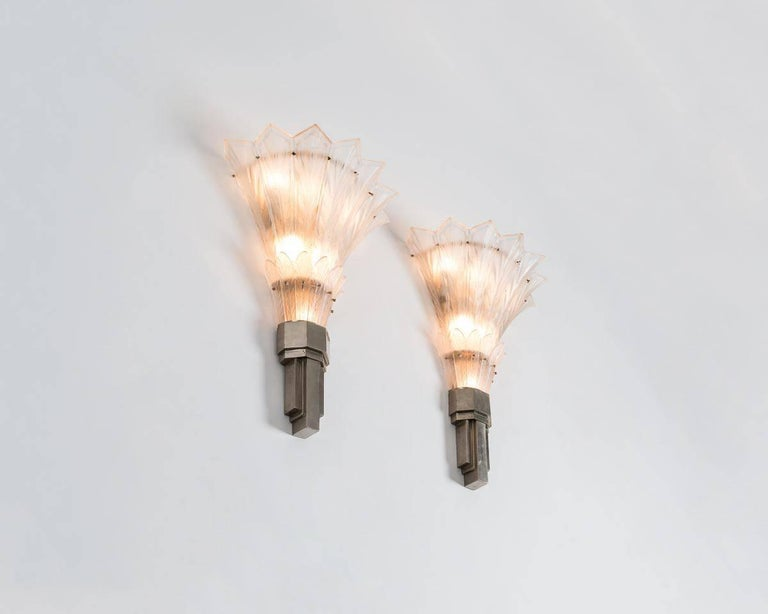 Sabino, Fine Pair of Art Deco Sconces, France, circa 1920s 2