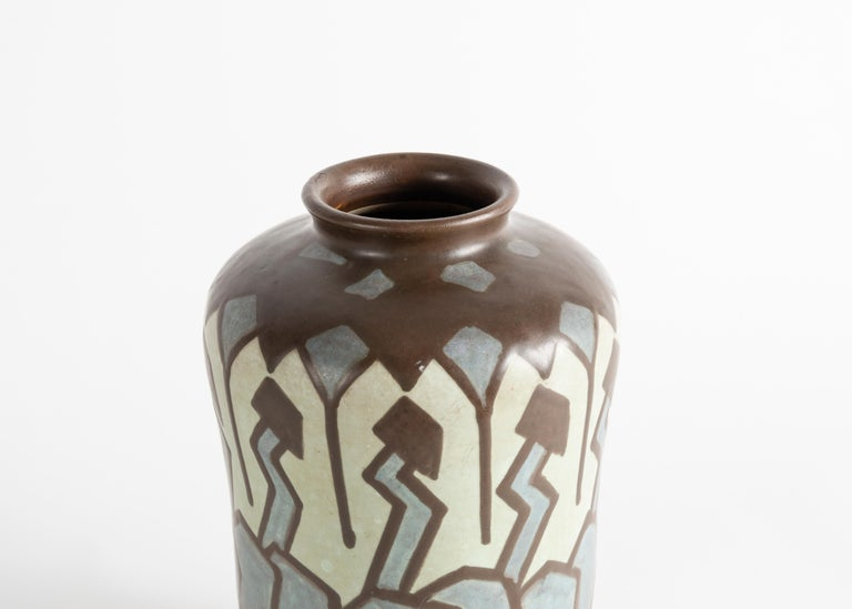 Art Deco stoneware vase by Villeroy & Boch. Luxembourg, circa 1930.  Signed: V&B Numbered: 313 & 1535.