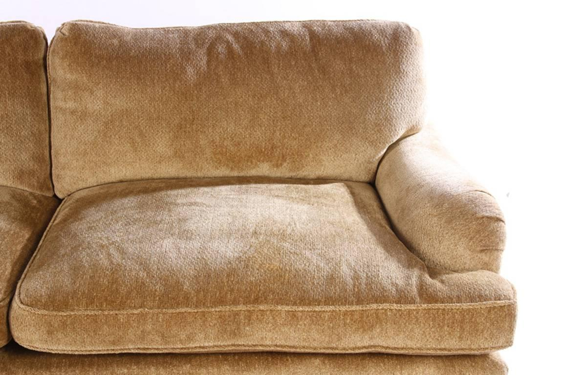 Luxurious Comfortable And Stylish Bridgewater Style Sofa For At 1stdibs