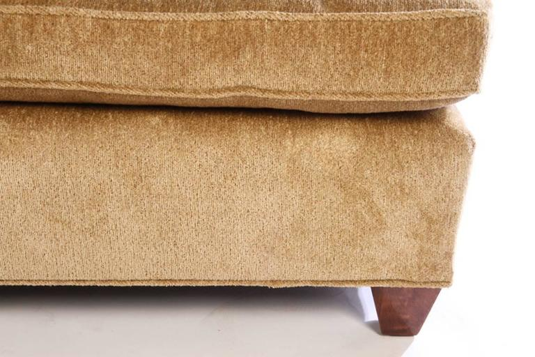 Contemporary Luxurious Comfortable And Stylish Bridgewater Style Sofa For