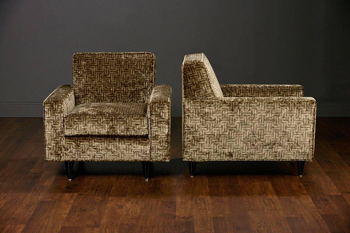 Pair of vintage deco style upholstered club chairs at 1stdibs for Style retro deco