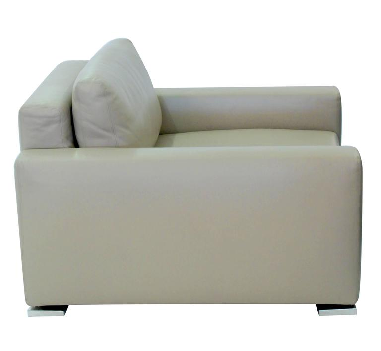 Italian Pair Of Clean Line Lounge Chairs By Minotti For Sale