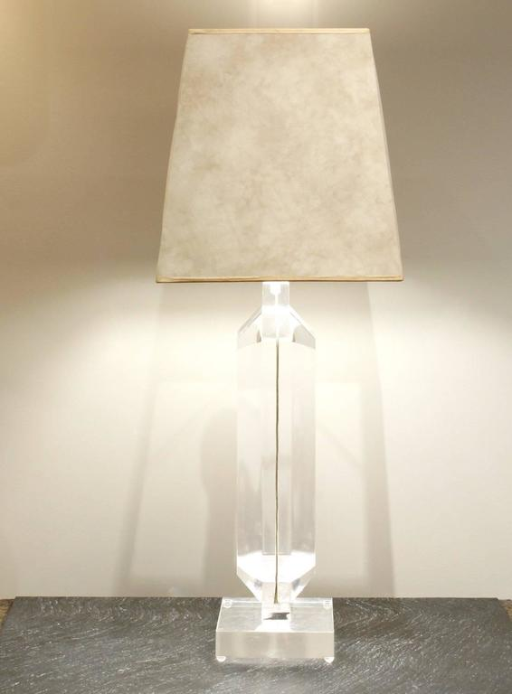 Les Prismatiques Large Lucite Table Lamp, 1970s In Excellent Condition For Sale In New York, NY