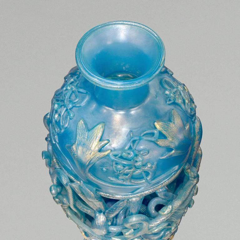 Spectacular hand-blown glass vase in opalescent blue glass with gold overlay by Ermanno Nason, Murano Italy, 1967 (signed