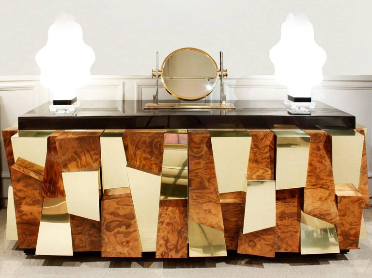 Paul Evans Faceted Burl and Brass Credenza, 1965 In Excellent Condition For Sale In New York, NY