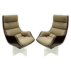 "Vladimir Kagan Pair of ""High Back Contour Swivel Chairs"", 1970s"