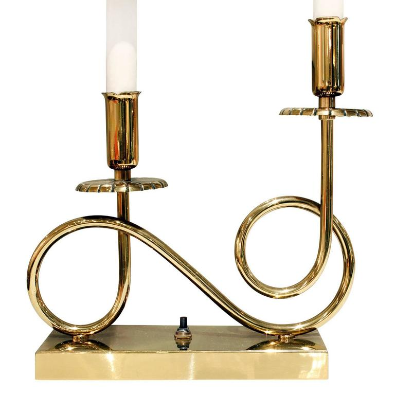 Hand-Crafted Pair of Elegant Brass Lamps in the Style of Tommi Parzinger, 1950s For Sale