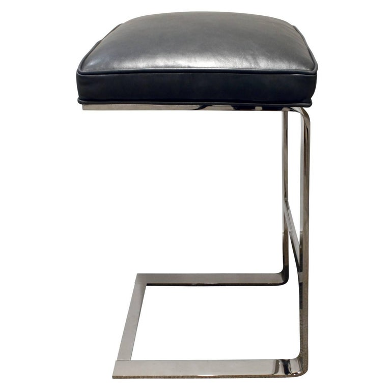 American Milo Baughman Pair of Cantilevered Chrome Bar Stools, 1970s For Sale