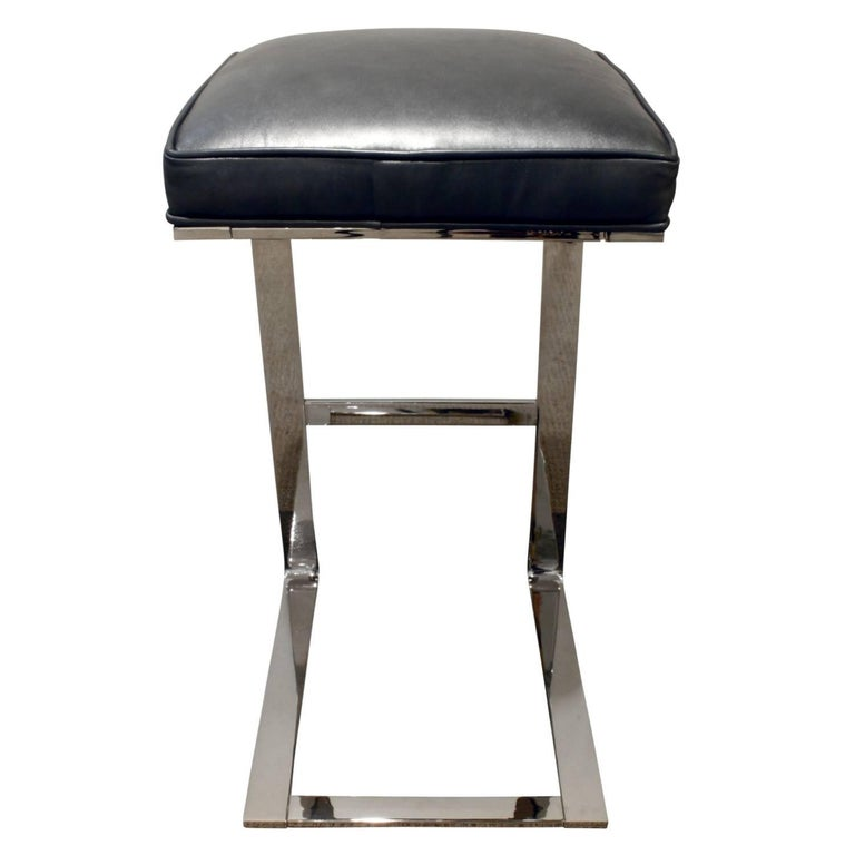 Hand-Crafted Milo Baughman Pair of Cantilevered Chrome Bar Stools, 1970s For Sale