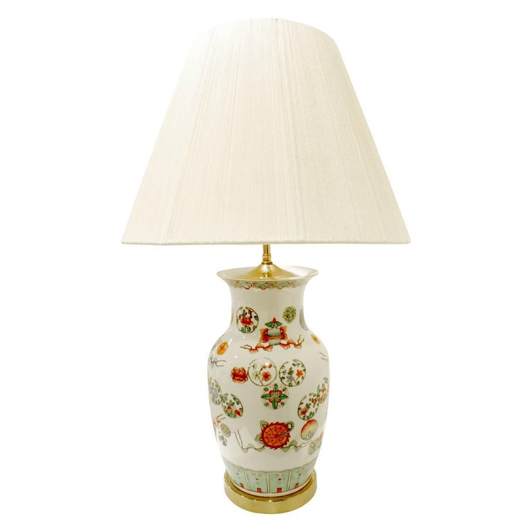 Chinese Elegant Hand-Painted Porcelain Table Lamp, 1960s For Sale