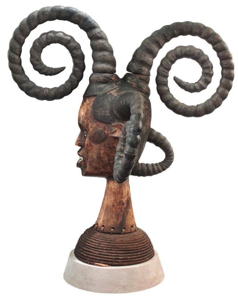 Mid-Century Modern Karl Springer Hand-Carved African Sculpture on Custom Suede Base, 1980s For Sale