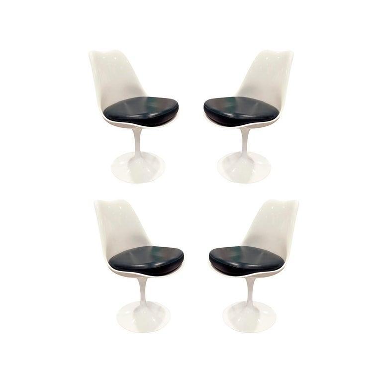 Eero Saarinen Set of 4 Swiveling Tulip Chairs, 1960s Signed For Sale