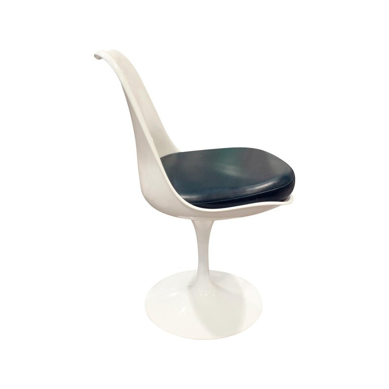 Italian Eero Saarinen Set of 4 Swiveling Tulip Chairs, 1960s Signed For Sale