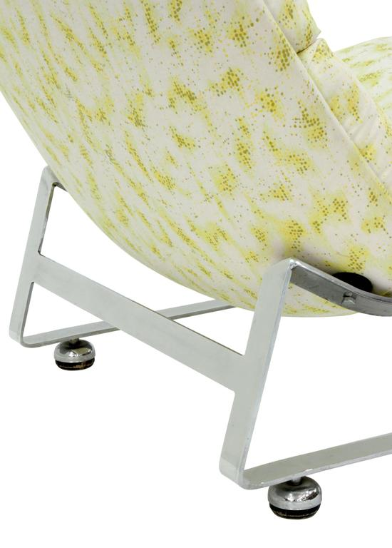 Hand-Crafted Scoop Lounge Chair with Steel Base For Sale
