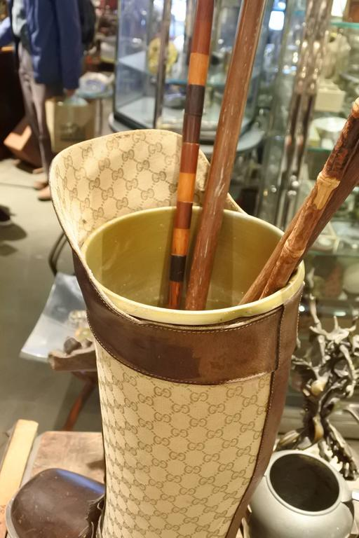 Rare and Incredible Gucci Store Umbrella Stand In Good Condition For Sale In New York, NY