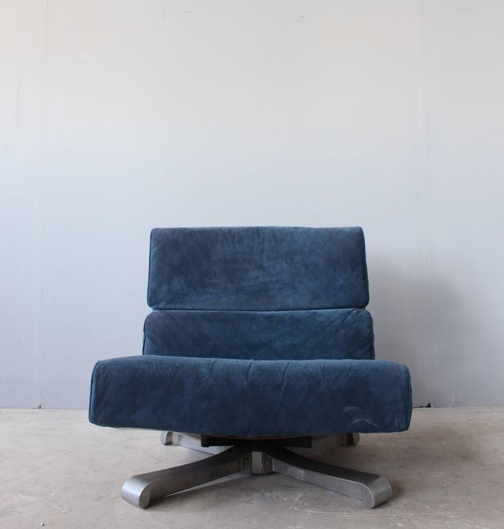 Modern 4 French 1970s Swivel Lounge Chairs For Sale