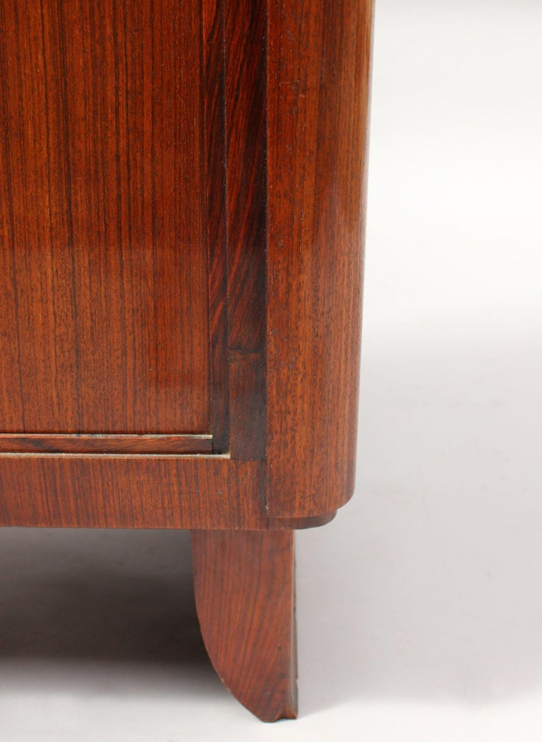 Fine French Art Deco Rosewood Vitrine by Maxime Old For Sale 4