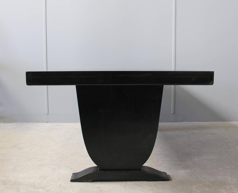 A Fine French Art Deco Black Lacquered Dining Table 2