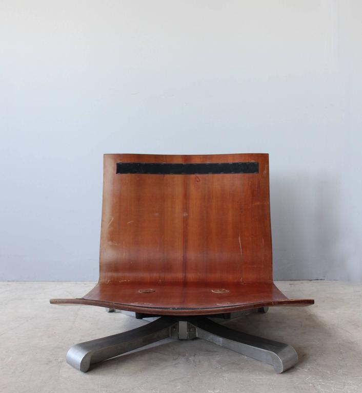 4 French 1970s Swivel Lounge Chairs For Sale 4