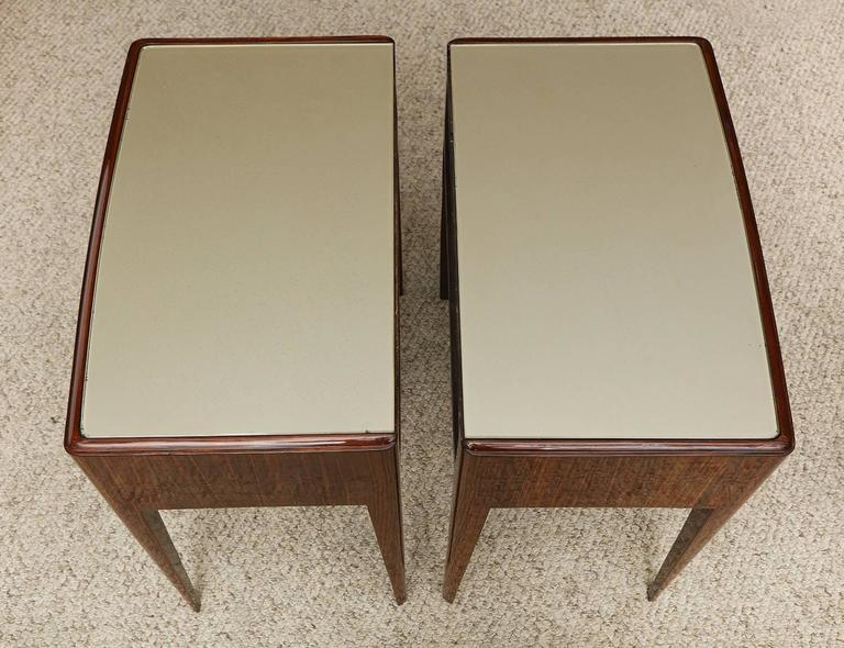 Mid-Century Modern Pair of Elegant Nightstands by Paolo Buffa For Sale