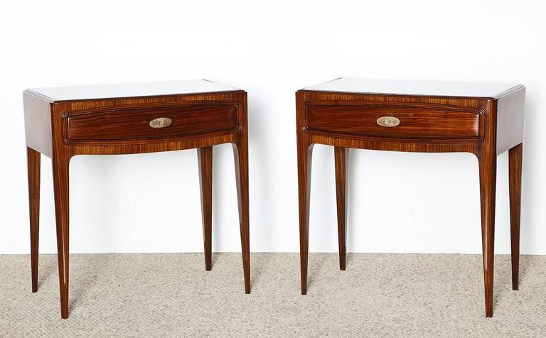 Pair of Elegant Nightstands by Paolo Buffa 4