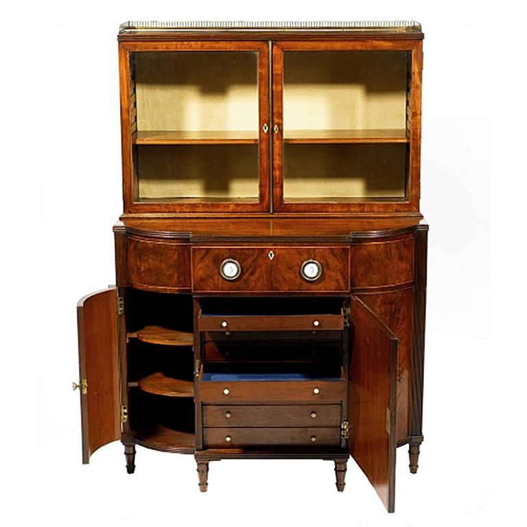Early 19th Century Mahogany Breakfront Display Cabinet 3