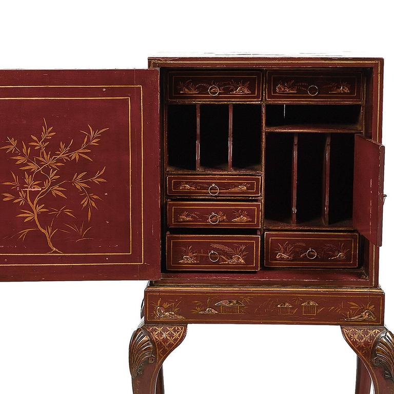 19th Century Chinoiserie Cabinet on Stand, with Fitted Interior In Excellent Condition For Sale In New York, NY
