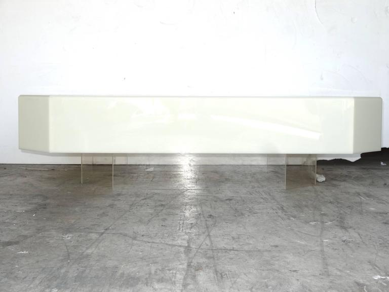 Modern 1970s Acrylic Coffee Table For Sale