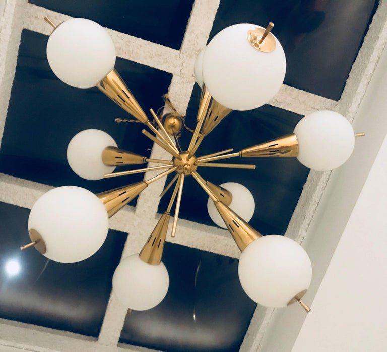 Italian Mid Century 1960s Sputnik Chandelier In Excellent Condition For Sale In New York, NY
