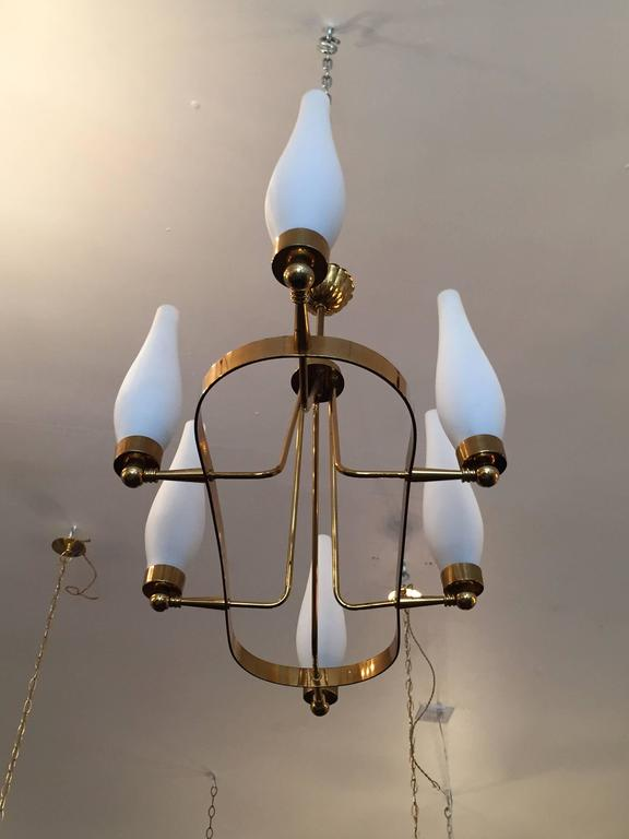 French 1960s Regency Chandelier In Excellent Condition For Sale In New York, NY