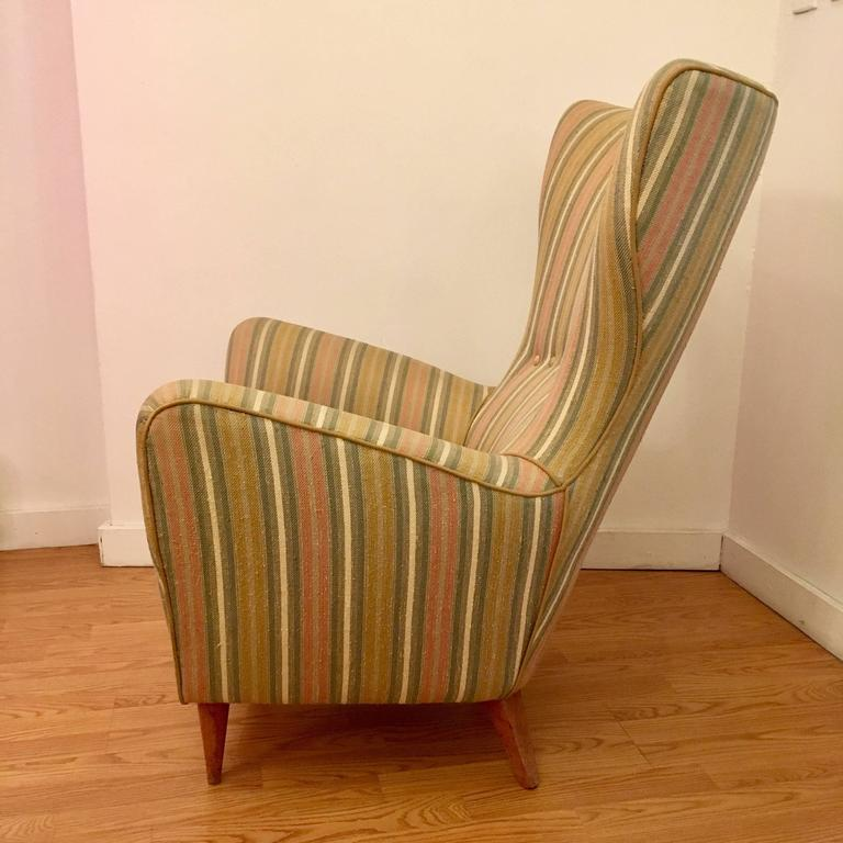 Pair of Italian 1950s Mid-Century Wing Chairs 3