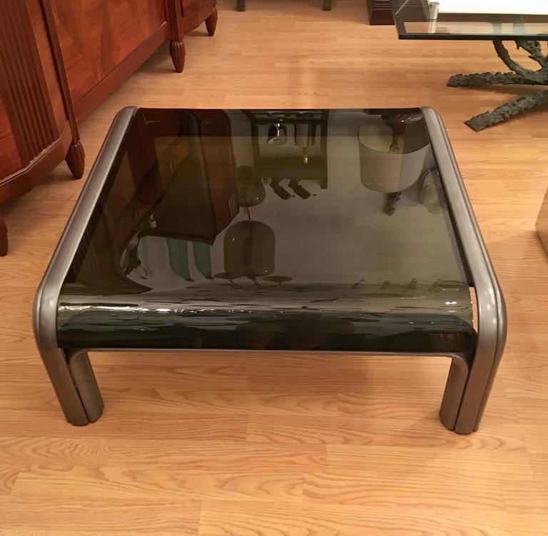 Late 20th Century Gae Aulenti Knoll Coffee Table For Sale