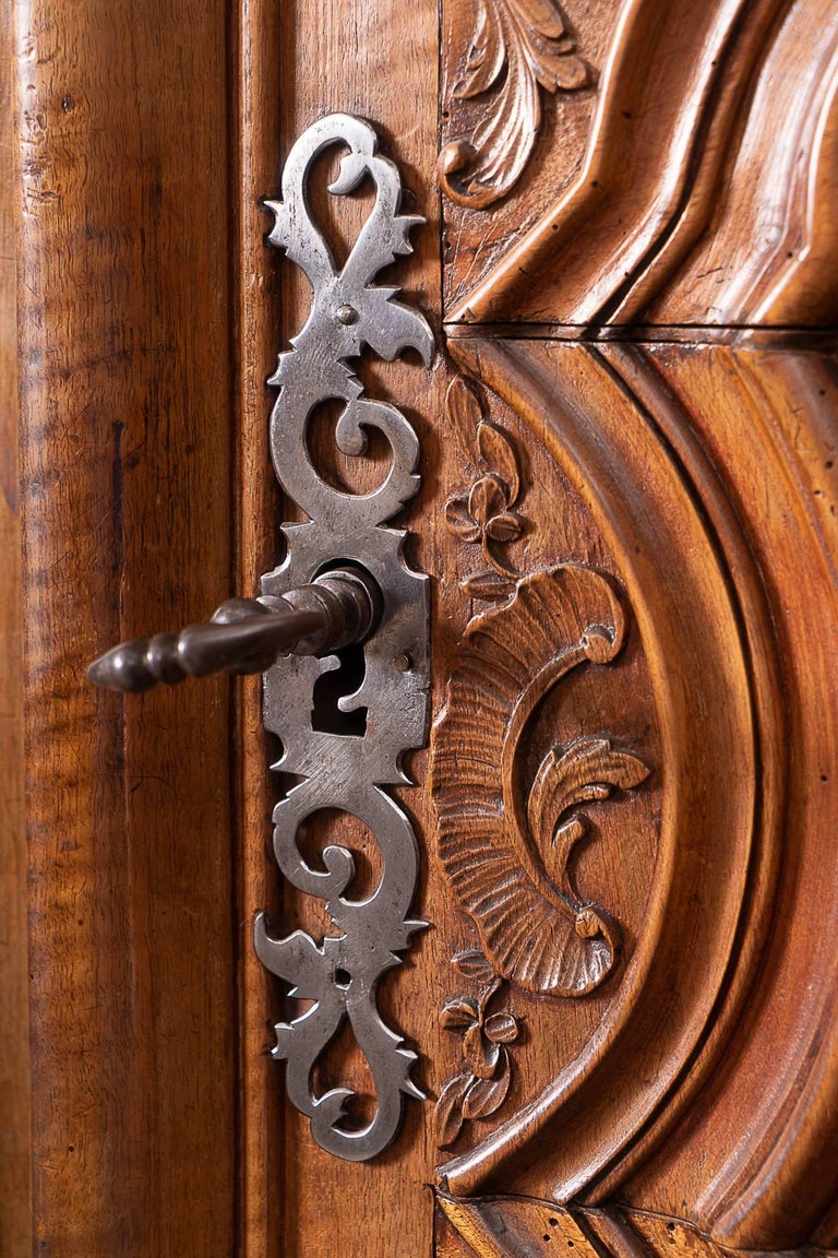 Hand-Carved Beautiful Louis XIV Walnut Armoire For Sale