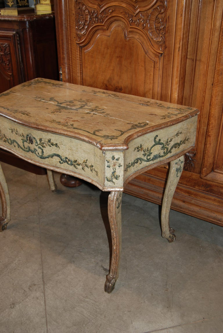 Early 19th Century Painted Dressing Table For Sale 1