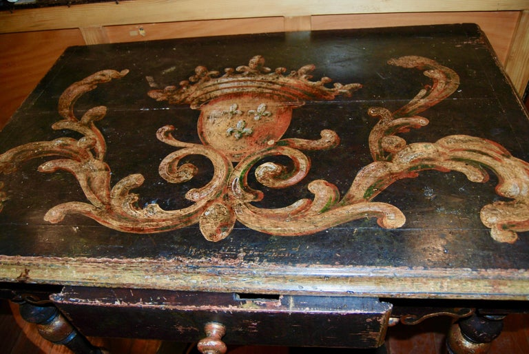 Louis XIV Painted Writing Table In Good Condition For Sale In New Orleans, LA
