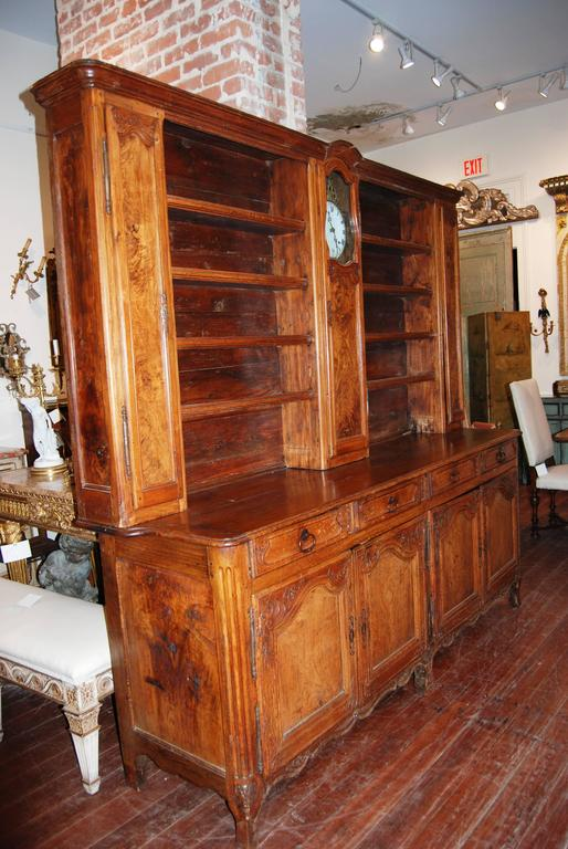 19th Century French Walnut Rustic Buffet Vaisselier with Mobilier Clock 2